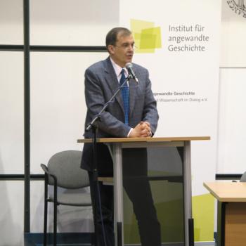 Die Tagung mit über einhundert Teilnehmern im Collegium Polonicum eröffnete Dr. Krzysztof Wojciechowski.
