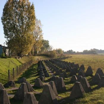 Darf auf einer Exkursion durch die Geschichte der Neumark nicht fehlen: Der sogenannte Ostwall