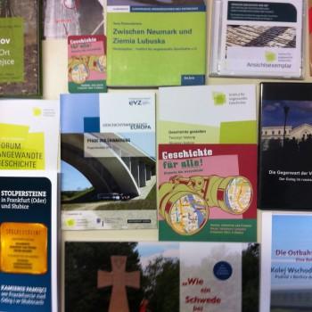 Projekte am Institut haben immer auch ein Ergebnis für die Öffentlichkeit zum Ziel. Das können Veranstaltungen sein, sind aber oft auch Bücher, Broschüren, Filme oder Onlineangebote