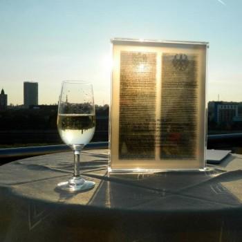 Ein Gütesiegel für herausragende Arbeit im deutsch-polnischen Austausch: Der DIALOG-Preis ging 2011 an das Institut für angewandte Geschichte.