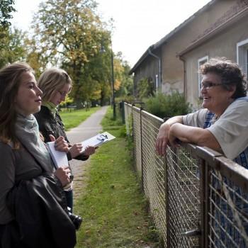 Gespräche mit den BewohnerInnen waren Teil der Aufgaben der Dorfreporter. Foto: Charlotte Sattler