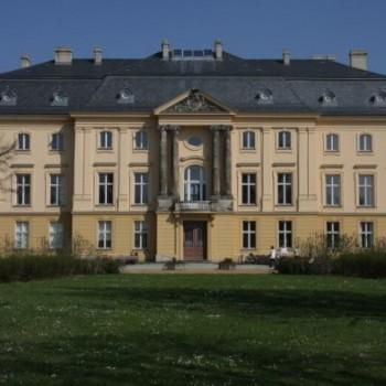 Einladend: Schloss Trebnitz im Oderland