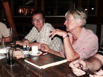 Gemeinsam lernen in gemütlicher Atmosphäre: Aus den TeilnehmerInnen des Sprachkurses werden Freunde.